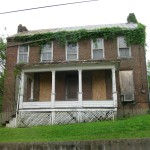 I love old houses, especially abandoned houses